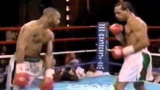 Boksör vurduğununu indiriyo :) VE ROY JONES http://www.boks.gen.tr
