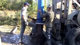 видео Гидробурение скважин на воду своими руками: технология проведения работ » Аква-Ремонт
