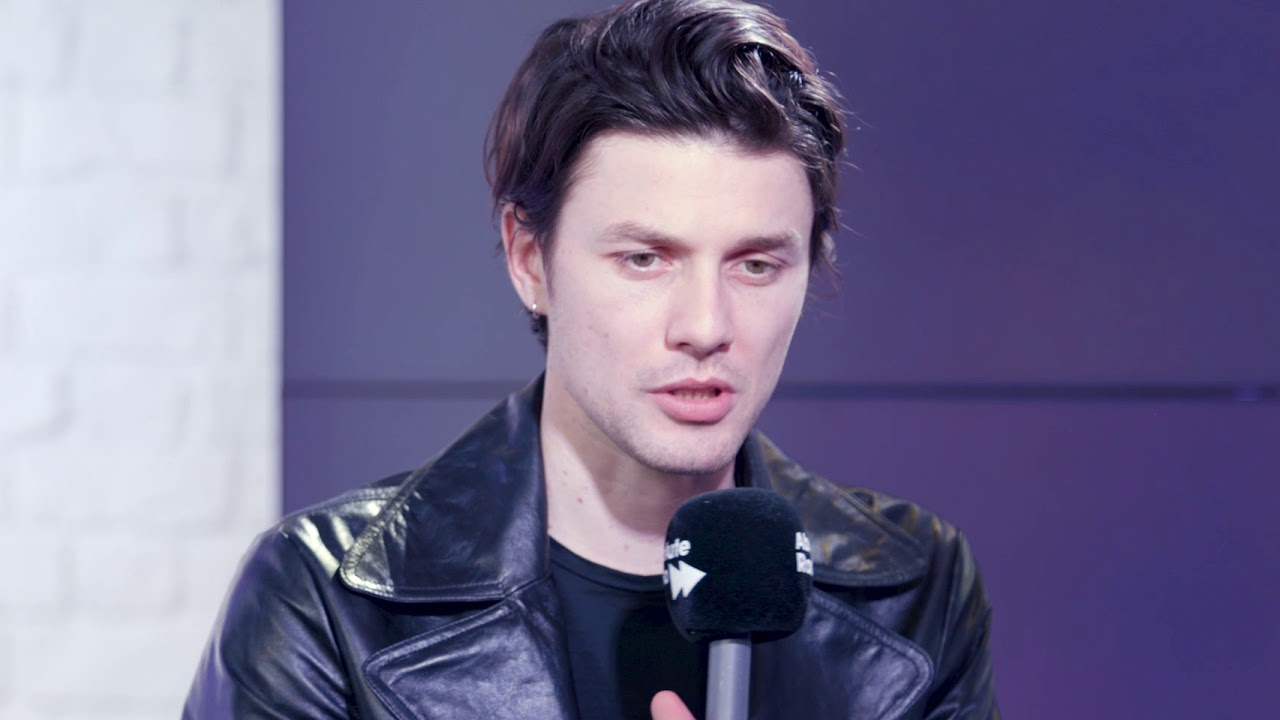 James bay on losing the hat his new album and demonstrates his james bay on losing the hat his new album and demonstrates his busking ability winobraniefo Image collections