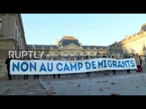 France: Far-right rail against plans for migrant centre near Versailles