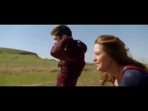 Flash chạy đua với Super Girl - HD - Movie TV thumbnail