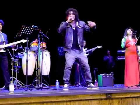 Sri Lankan funny song Vac Eka Kare Thiyan LIVE