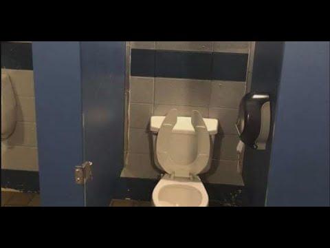 alabama-school-removes-bathroom-stall-doors-to-combat-vaping