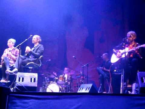 The Divine Comedy & Lisa O'Neill -Party -Funny Peculiar -Live 7-Feb-2017 Madrid