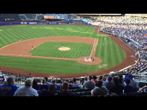 Mets' Jose Reyes is cheered loudly by Citi Field crowd