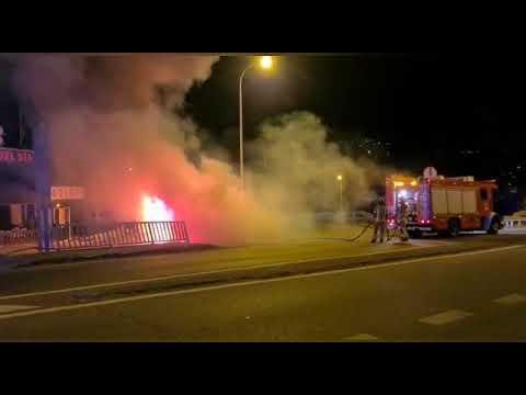 Arde un vehículo en la N-552 a la altura de la sala de fiestas Bolero