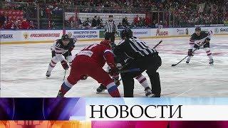 Хоккейные болельщики в предвкушении заключительного матча Кубка Первого канала.