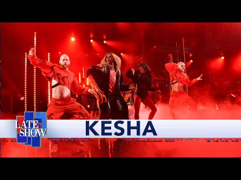 "Kesha - ""Raising Hell"" Ft. Big Freedia Performance"