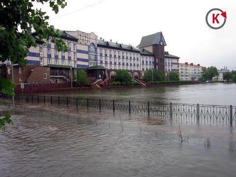 Потоп в Югорске, вышел из берегов пруд возле профилактория. 10.07.2018г