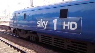 Class 91 (91125 SKY1) and 43 HST departing Newcastle
