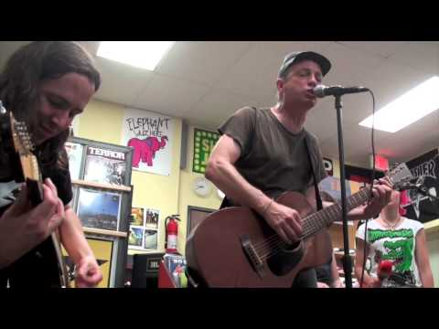 "Kepi Ghoulie ""A New England"" LIVE (Billy Bragg cover) June 10, 2013 (9/11) HD"