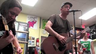 "Kepi Ghoulie ""A New England"" LIVE (Billy Bragg cover) June 10, 2013 (9/11) HD"