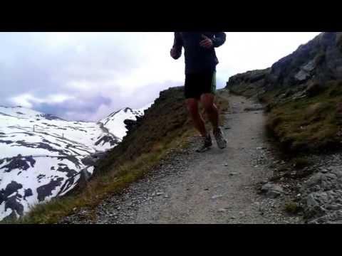 Running @ Stelvio / Stilfserjoch 3000m in HD - Italian Alps