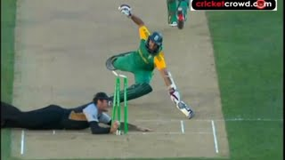 Repeat youtube video Top 10 Run Outs in Cricket History