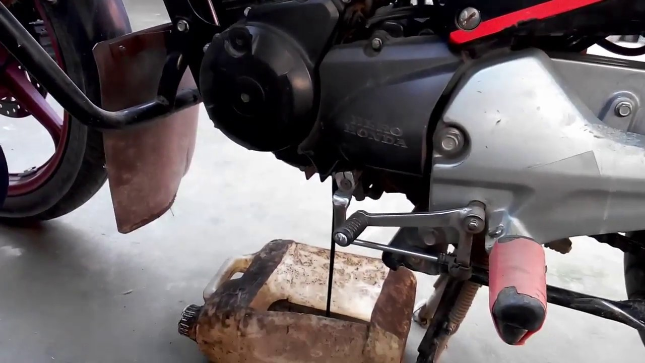 How To Change Your Hero/ Honda Bike Engine Oil In The Home - YouTube