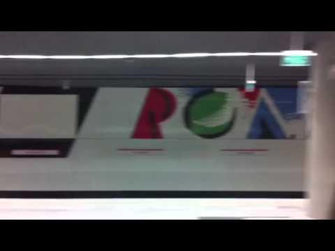 Przejazd Inspiro przez stację metra Rondo ONZ (II linia)