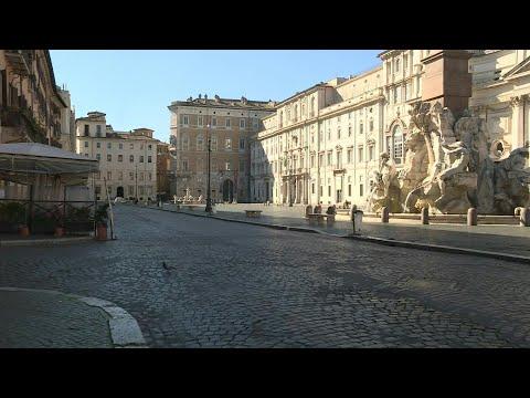 Coronavirus: Rome's Piazza Navona empty as stores are now shut | AFP