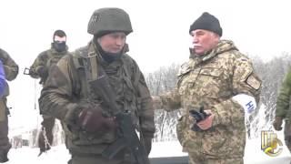 """Полковник украинской армии возле аэропорта Донецка: """"собралась тут орда какая-то с поребриками"""""""
