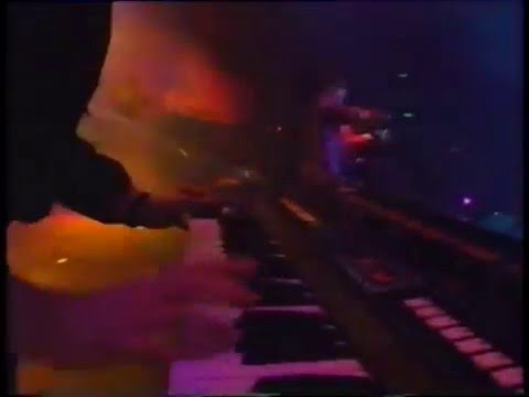 808 State - In Yer Face (Live 1991)
