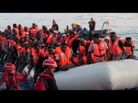 مناشدات لتونس لاستقبال سفينة تقل مهاجرين بعد رفض دول أوروبية إدخالها  - نشر قبل 3 ساعة