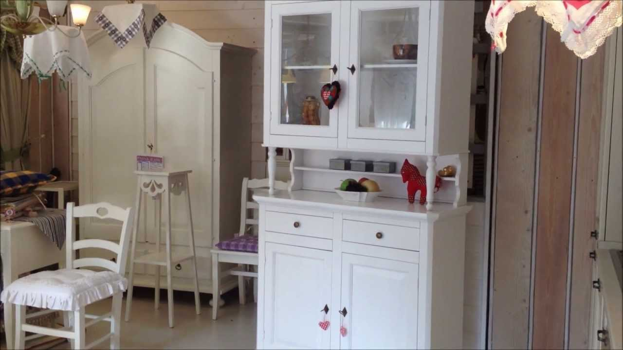 Credenza vetrina stile shabby chic youtube for Credenze shabby chic ikea