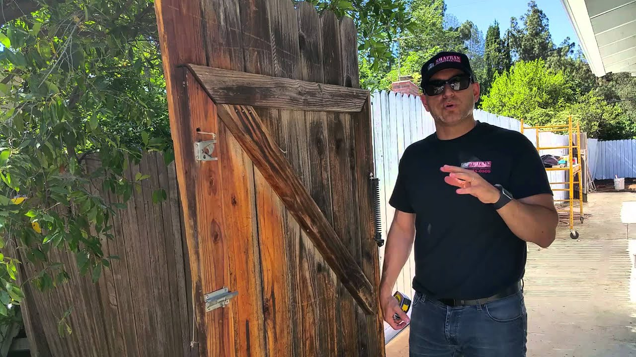 Tips for painting an old wooden fence in la by contractor jordan tips for painting an old wooden fence in la by contractor jordan shafran baanklon Images