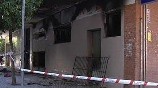 Cuarenta atendidos tras incendio en bazar chino