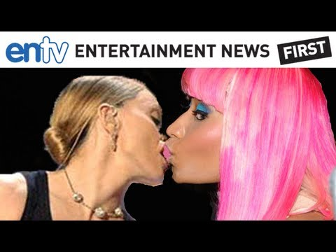 NICKI MINAJ MADONNA KISS: Super Bowl