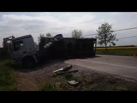 Zdrapy DK19 Lublin – Kraśnik. Stawianie ciężarówki na koła