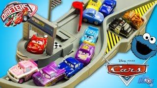 Disney Cars Micro Drifters Piste Folle Flash McQueen Jouet Toy Review Juguetes Mini Racers Kids