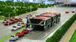China's elevated bus Futuristic 'straddling bus' hits the road
