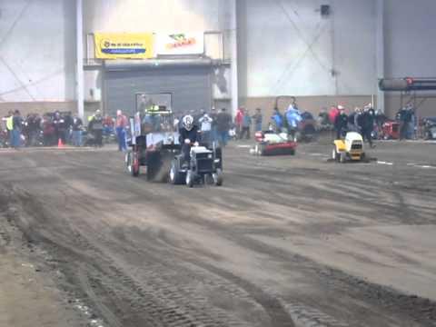 2011 Keystone Nationals Garden Tractor Pull Shane ...