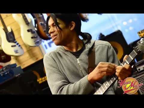 Stanley Jordan - Live 2013 @ Your Music Roma (feat Alfredo Paixao)