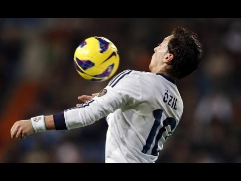 The Magical Mesut Özil ● Real Madrid Dribbling Passing |HD|