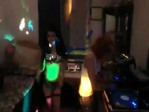 Nonstop - 2012 Phiêu Phiêu Ảo Ảo - In The Mix DJ TienSaker Vol 2.wmv