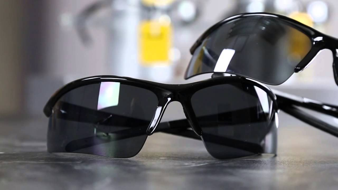 bc835096b2 DEWALT DPG51 Radius Safety Glasses - YouTube