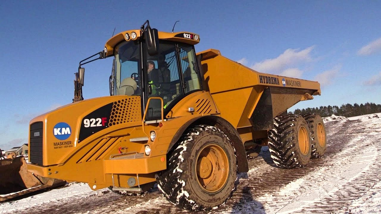 first on youtube the new hydrema 922f dumper moving dirt - youtube