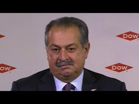 Dow Chemical CEO: Low oil prices good for economy