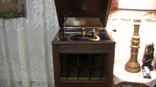 My new Columbia Grafonola G-2 Phonograph featuring Paul Revere