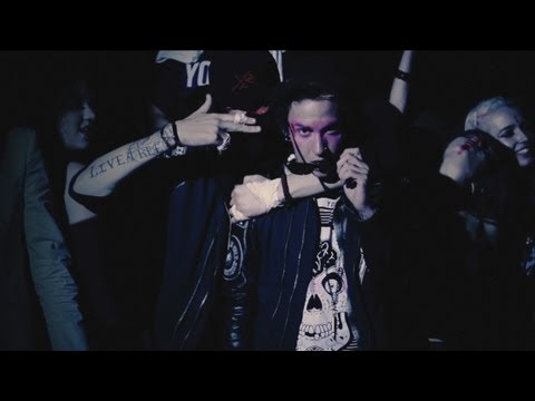 "Blackbear | ""Teenage Waste"" Official Music Video World Premiere"