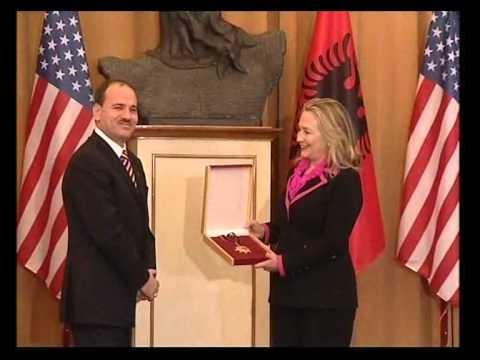 Sh.T.Z. Bujar Nishani nderon Sekretaren Amerikane të Shtetit, Hillary Clinton