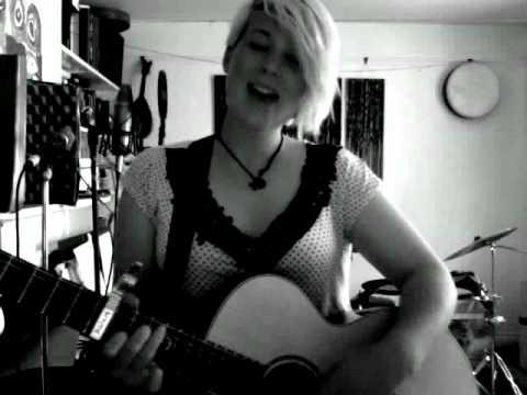 LIttle Bird Ed sheeran (cover Molly Hyde)