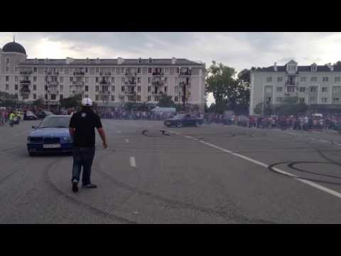 BMW drift show in poti 2013 , BMW дрейф шоу в Поти 2013