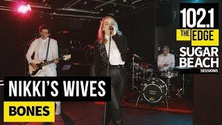 Baixar Nikki's Wives - Bones (Live at the Edge)