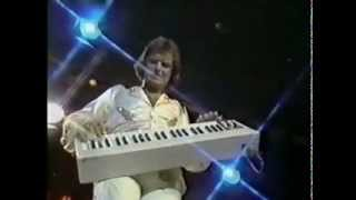Gary Wright - Love Is Alive (Midnight Special, 1976)