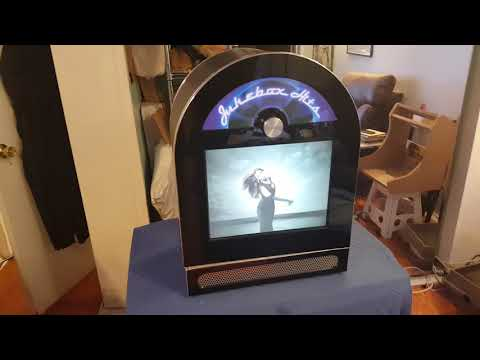 touchscreen music video jukebox has over 1,000 albums