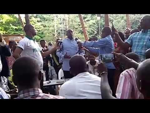 Live du rassemblement des jeunes à Bamako suite a la situation de Gao (1ère partie)