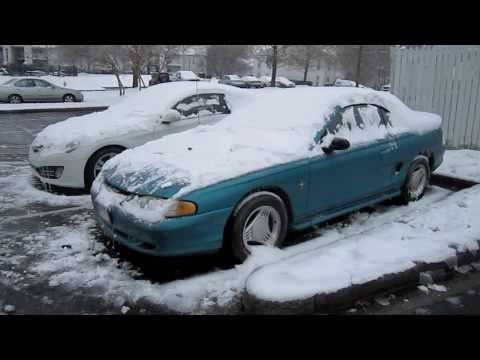 Icy Cold Start 2010 Hyundai Genesis Coupe 3.8 and 1994 Ford Mustang Convertible
