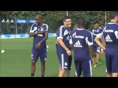 Schalke Training am 10.10.2014 mit Roberto Di Matteo