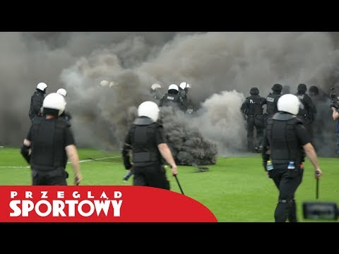 Zadyma na meczu Lech - Legia. Interweniowała policja